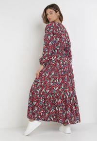 Born2be - Czarno-Czerwona Sukienka Zelelis. Kolor: czarny. Długość rękawa: długi rękaw. Wzór: kwiaty. Typ sukienki: kopertowe. Długość: maxi