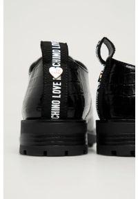 Czarne półbuty Love Moschino na sznurówki, z okrągłym noskiem, z cholewką
