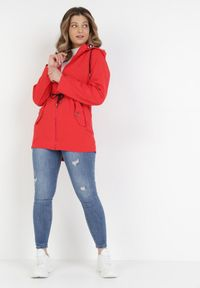 Born2be - Czerwona Kurtka Thespeilla. Kolor: czerwony