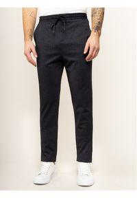 Guess Spodnie materiałowe M01B36 WCN60 Szary Slim Fit. Kolor: szary. Materiał: materiał
