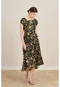 Marie Zélie - Sukienka Antea Campo. Materiał: wiskoza, materiał. Długość rękawa: krótki rękaw. Typ sukienki: asymetryczne