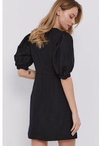 BARDOT - Bardot - Sukienka. Okazja: na co dzień. Kolor: czarny. Materiał: tkanina. Typ sukienki: proste. Styl: casual