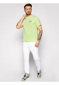Levi's® T-Shirt Tee 16143 Żółty Relaxed Fit. Kolor: żółty