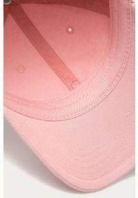 Różowa czapka z daszkiem Peak Performance gładkie