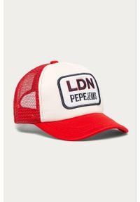Czerwona czapka z daszkiem Pepe Jeans z aplikacjami