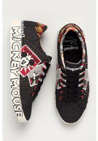 Czarne sneakersy Desigual na obcasie, na średnim obcasie, z cholewką, na sznurówki
