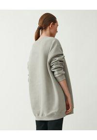 MMC STUDIO - Szara bluza z logo Label. Kolor: szary. Materiał: materiał, bawełna. Długość rękawa: długi rękaw. Długość: długie. Wzór: haft