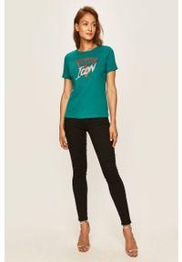 Bluzka Guess Jeans z aplikacjami, casualowa