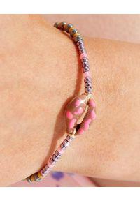 BONK IBIZA - Kolorowa bransoletka z beżową muszlą. Kolor: beżowy. Wzór: kolorowy