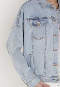 Born2be - Jasnoniebieska Kurtka Jeansowa Irro. Kolor: niebieski. Materiał: jeans