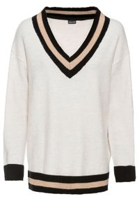 Sweter z głębokim dekoltem w serek bonprix beżowy melanż - czarno-piaskowy. Typ kołnierza: dekolt w serek. Kolor: beżowy. Długość rękawa: długi rękaw. Długość: długie. Wzór: melanż