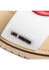 Białe klapki Love Moschino