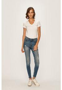 Lacoste - T-shirt. Kolor: biały. Materiał: dzianina