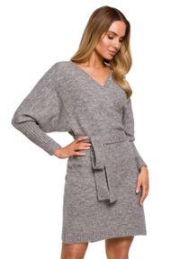 MOE - Swetrowa Mini Sukienka z Kopertowym Dekoltem - Szara. Kolor: szary. Materiał: poliester, wełna. Typ sukienki: kopertowe. Długość: mini