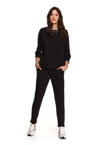 TOP SECRET - Oversizowa bluza z podwijanymi rękawami. Okazja: na co dzień. Kolor: czarny. Materiał: materiał. Wzór: aplikacja. Sezon: wiosna. Styl: casual
