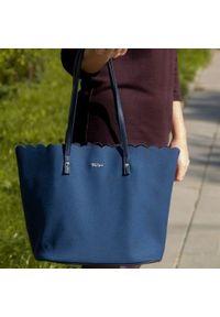 Torebka damska shopper falbanka MILTON ML05 granatowa. Kolor: niebieski. Wzór: aplikacja. Materiał: skórzane. Styl: sportowy, klasyczny, casual. Rodzaj torebki: na ramię