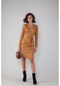 Nommo - Sukienka z Asymetrycznym Dołem z Eko-skóry - Karmelowa. Materiał: skóra. Typ sukienki: asymetryczne