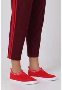 Czerwone buty sportowe Casu z cholewką, na co dzień