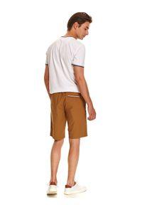 Beżowe szorty TOP SECRET na co dzień, na lato, w kolorowe wzory