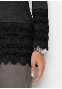 Długi shirt z koronką bonprix czarny. Kolor: czarny. Materiał: koronka. Długość: długie. Wzór: koronka