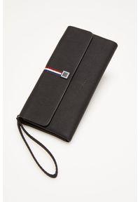 Czarny portfel MOODO