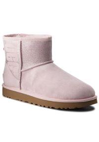 Różowe buty zimowe Ugg