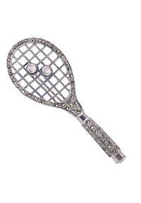 Inaya - STEFFI Srebrna broszka rakieta tenisowa markazyty. Materiał: srebrne. Kolor: srebrny. Wzór: aplikacja. Kamień szlachetny: markazyt