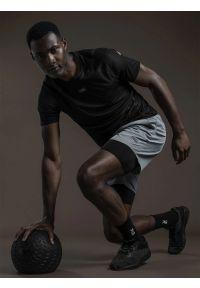4f - Legginsy krótkie treningowe z materiałów z recyklingu męskie RL9 x 4F. Kolor: czarny. Materiał: materiał. Długość: krótkie. Wzór: nadruk. Sport: fitness