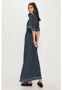 Pepe Jeans - Sukienka Justina. Materiał: tkanina. Długość rękawa: krótki rękaw. Typ sukienki: rozkloszowane