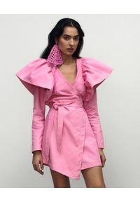 VICHER - Asymetryczna sukienka jeansowa ROSA. Kolor: różowy, wielokolorowy, fioletowy. Materiał: jeans. Długość rękawa: długi rękaw. Typ sukienki: asymetryczne. Długość: mini