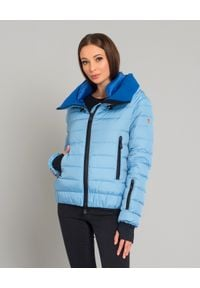 MONCLER - Niebieska kurtka puchowa. Kolor: niebieski. Materiał: puch