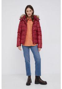 Pepe Jeans - Kurtka June. Kolor: czerwony. Materiał: futro, materiał. Wzór: gładki