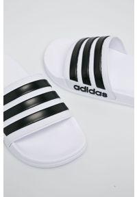 Białe klapki adidas Performance