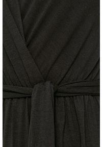 Haily's - Sukienka. Kolor: czarny. Materiał: dzianina. Długość rękawa: krótki rękaw. Wzór: gładki. Typ sukienki: rozkloszowane