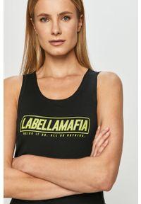 Czarny top LABELLAMAFIA z nadrukiem, casualowy, na ramiączkach