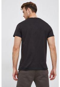 Calvin Klein Jeans - T-shirt bawełniany. Okazja: na co dzień. Kolor: czarny. Materiał: bawełna. Styl: casual