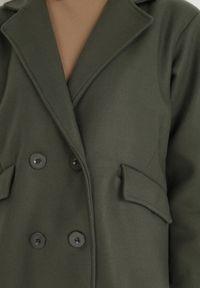 Born2be - Ciemnozielony Płaszcz Lysoe. Kolor: zielony. Wzór: gładki, aplikacja. Styl: klasyczny