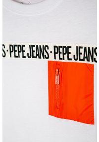 Biały t-shirt Pepe Jeans na co dzień, z nadrukiem, casualowy