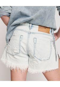 ONETEASPOON - Damskie szorty Marlons Low Waist. Stan: obniżony. Kolor: niebieski. Materiał: jeans, tkanina, bawełna