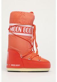 Czerwone śniegowce Moon Boot z cholewką, z okrągłym noskiem