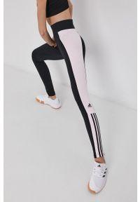 Adidas - adidas - Legginsy. Stan: podwyższony. Kolor: czarny. Materiał: bawełna, dzianina. Wzór: aplikacja