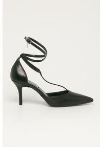 Czarne szpilki Karl Lagerfeld z cholewką, na obcasie, na średnim obcasie