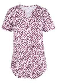 Bluzka shirtowa bonprix biało-jeżynowy z nadrukiem. Kolor: fioletowy. Wzór: nadruk