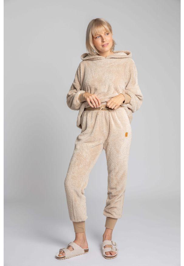 MOE - Pluszowe Spodnie Joggers - Cappuccino. Materiał: poliester