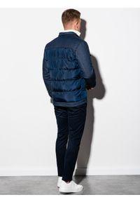 Ombre Clothing - Kurtka męska przejściowa C446 - granatowa - XXL. Typ kołnierza: kołnierzyk stójkowy. Kolor: niebieski. Materiał: bawełna, dzianina, jeans, poliester. Wzór: aplikacja. Styl: elegancki