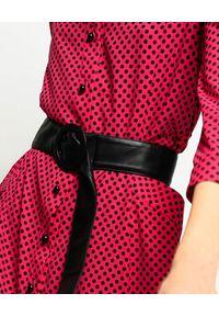Pinko - PINKO - Różowa sukienka koszulowa Babel. Kolor: różowy, wielokolorowy, fioletowy. Wzór: grochy. Typ sukienki: koszulowe. Styl: klasyczny. Długość: midi
