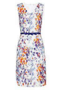 Sukienka ołówkowa bonprix biały z kolorowym nadrukiem. Kolor: biały. Wzór: nadruk, kolorowy. Typ sukienki: ołówkowe. Styl: elegancki