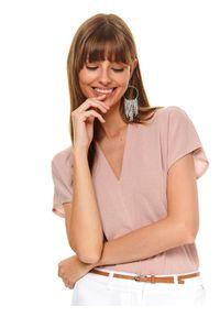 Różowy t-shirt TOP SECRET z krótkim rękawem, z dekoltem w serek, na co dzień, w kolorowe wzory