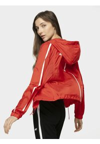 Czerwona kurtka 4f raglanowy rękaw, na co dzień