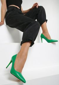 Zielone szpilki Renee na szpilce